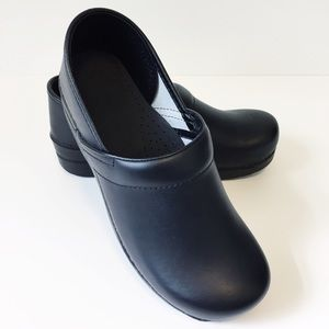 Dansko | Black Clogs